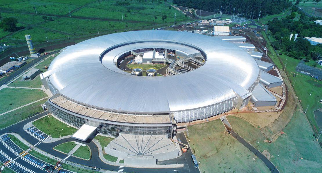 Vista aérea de Sírius, acelerador de partículas recém-inaugurado pelo Brasil