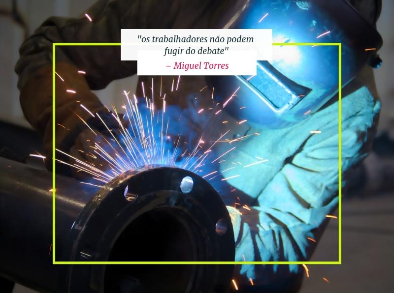Metalúrgico trabalhando